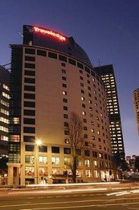 travelodge hotel sydney   At night