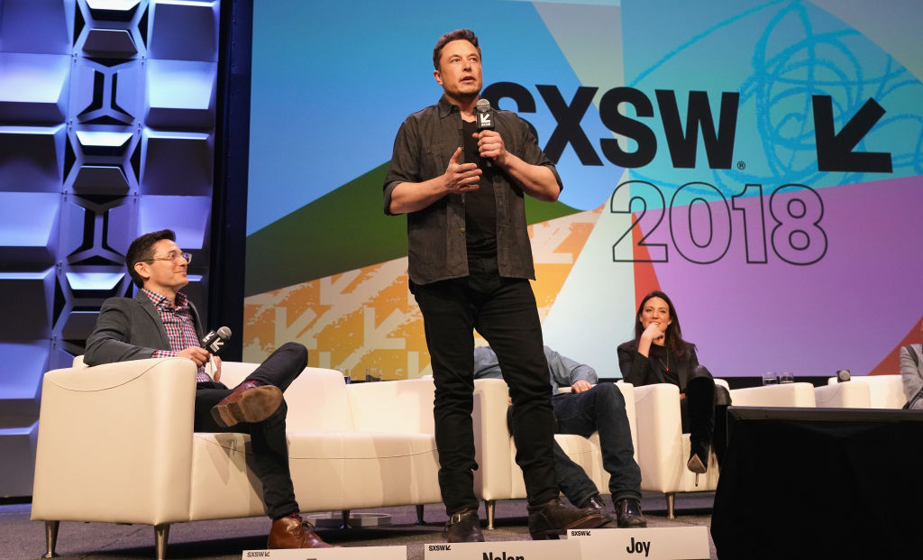 Photo of Elon Musk crashes SXSW panel to talk about space travel
