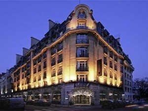 Hotel Pershing Hall Paris at night