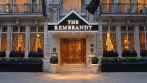the rembrandt hotel london at night